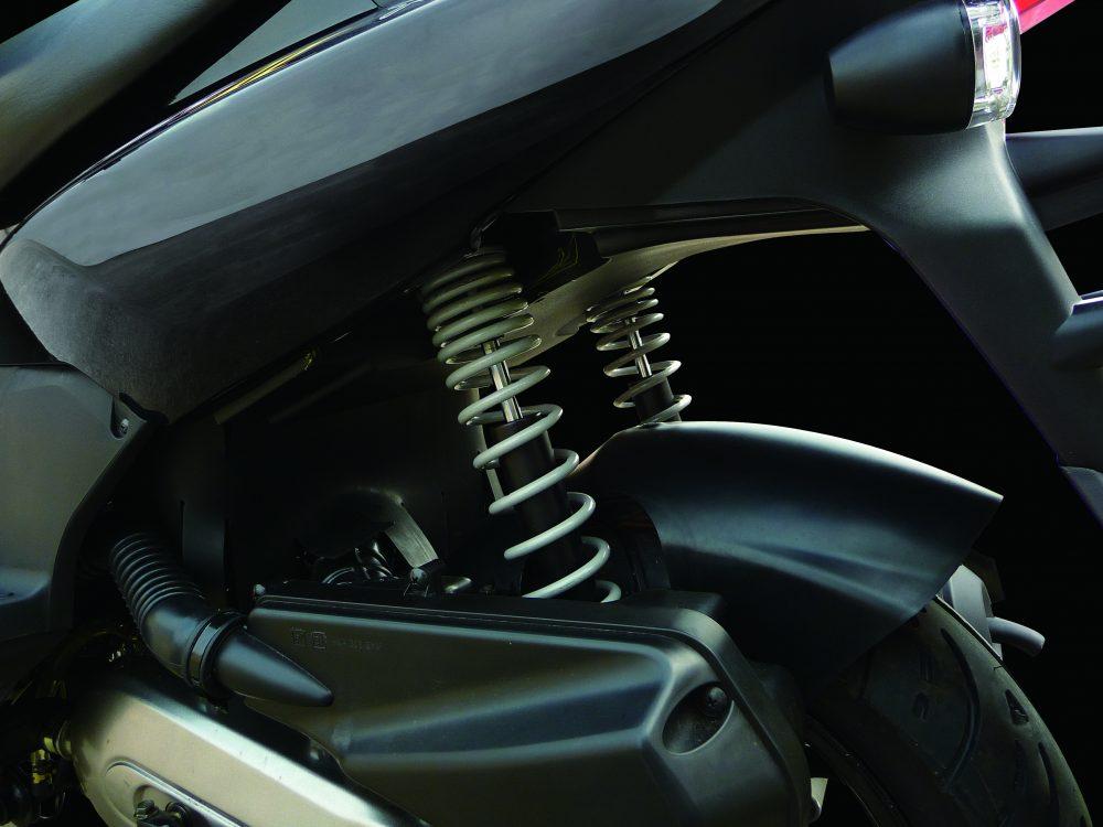 Rear-Twin-Suspension_2